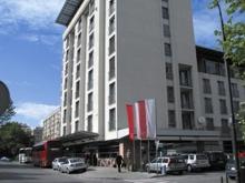 m hotel tekst